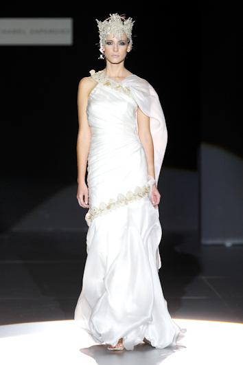 Isabel zapardiez en cibeles novias 2010