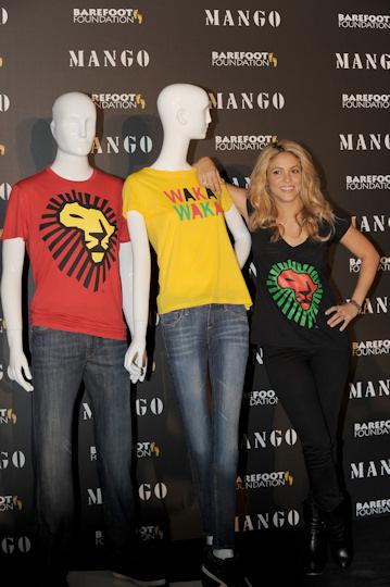 Shakira y camisetas solidarias de mango