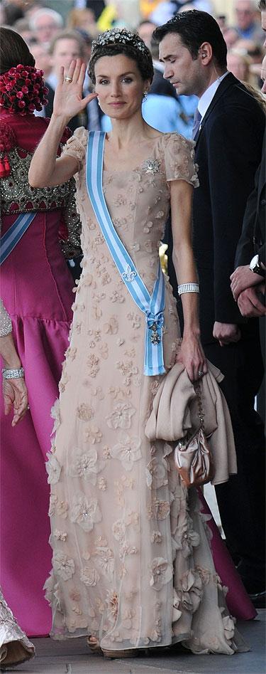 Modelo de vestido de Felipe Varela para Letizia Ortiz en la Boda Real en Suecia