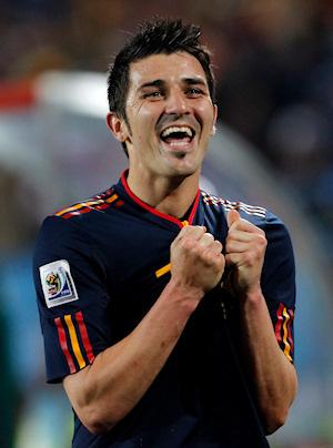 David Villa celebra gol ante Paraguay