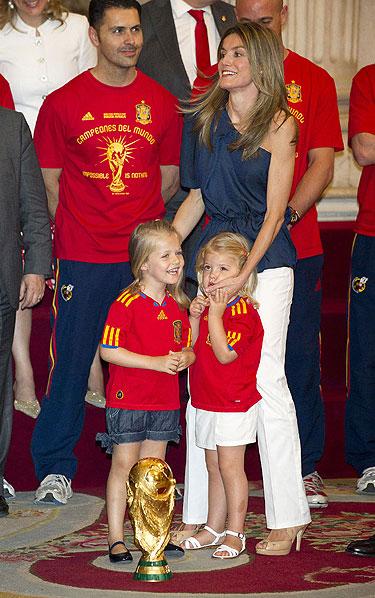 La fiesta de los campeones de las simpáticas Infantas Leonor y Sofía y la mamá Letizia Ortiz
