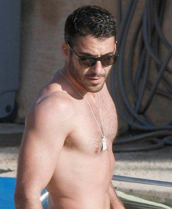 Miguel Ángel Silvestre sin camiseta y de vacaciones en Ibiza