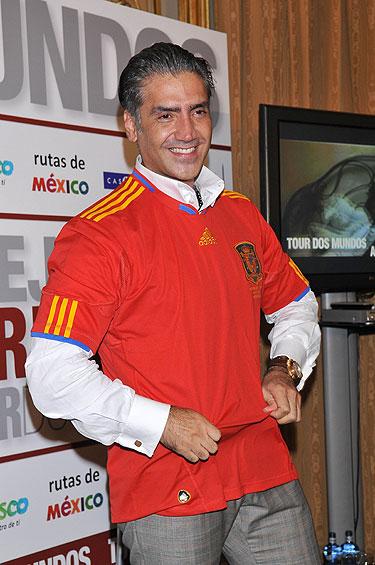 Alejandro Fernández en España