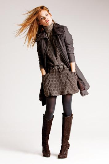 7cdfc17bf322b Minivestidos cómodos con leggings para el otoño-invierno 2010-2011