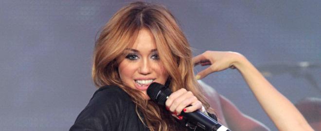 Miley cyrus quiere aumentarse el pecho