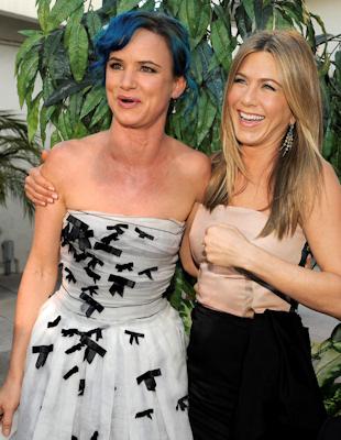 Jennifer aniston y juliette lewis en el estreno de un pequeño cambio