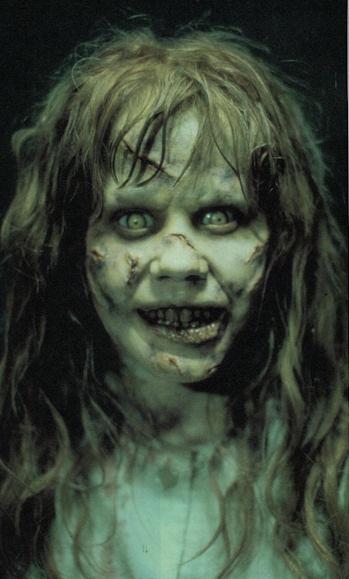 Disfraz de niña del exorcista para halloween