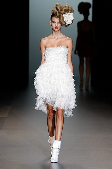 Elisa Palomino desfilan en la Pasarela Cibeles Madrid Fashion Week