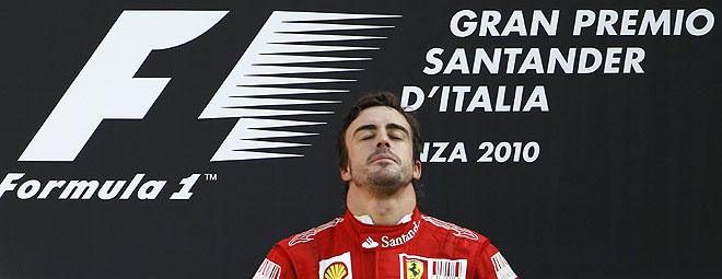 Fernando Alonso a por la victoria en el GP de Singapur 2010