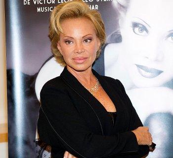 Paloma San Basilio sera 'La viuda alegre'