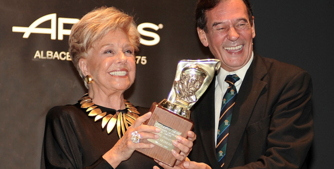 Lola Herrera recibe el Premio Pepe Isbert