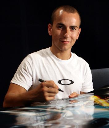 Jorge lorenzo presta su voz a un personaje de torn