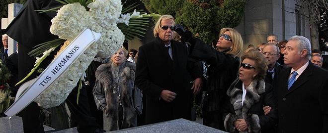 Norma Duval en el entierro de Carla Duval