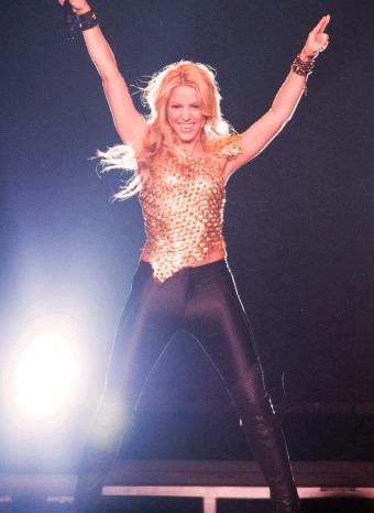 Shakira durante una actuación