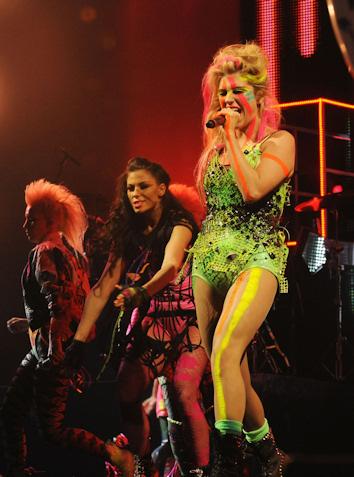 Kesha en los mtv ema 2010