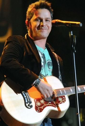 Alejandro Sanz durante un concierto