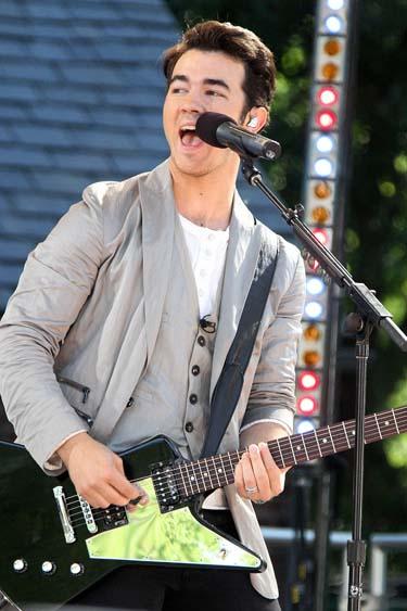 Jonas Brothers ofrecen un concierto en Buenos Aires