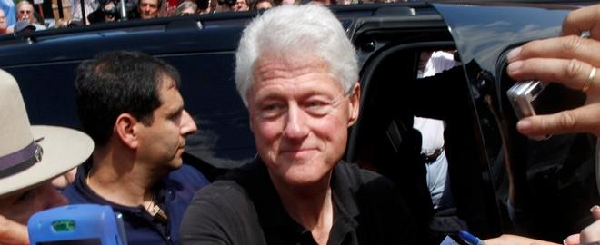 Clinton sorprende en su faceta como actor