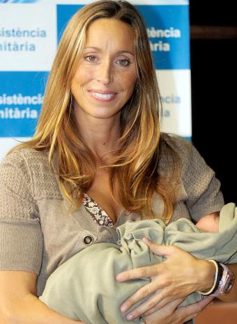Gemma Mengual y su primer hijo, Nil