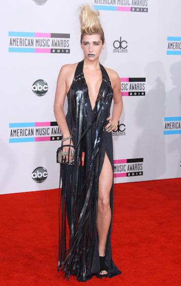 Kesha en los american music awards 2010