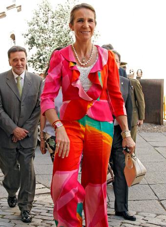 La Infanta Elena con un criticado traje