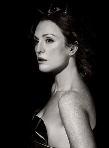 Julianne moore en el calendario pirelli 2010