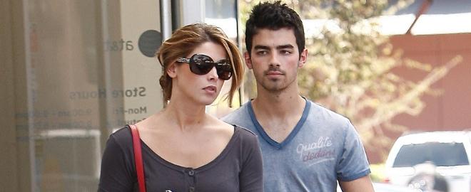 Joe Jonas y Ashley Green