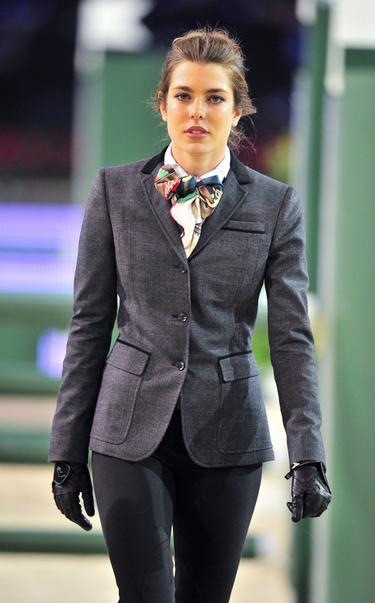 Carlota Casiraghi, hija de Carolina de Mónaco, una amazona en el torneo hípico Master Gucci 2010 celebrado en París