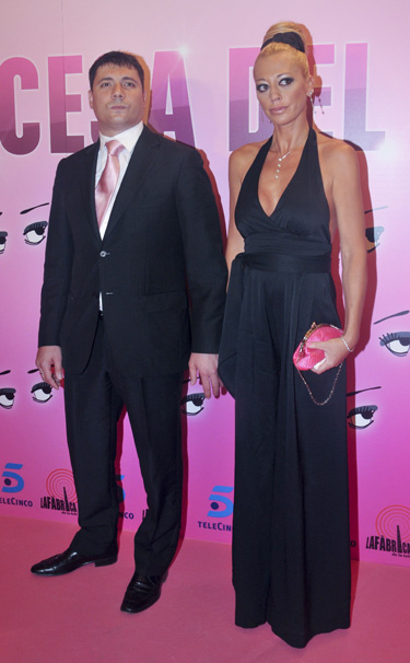 Belén Esteban y su marido Fran Álvarez, falsa amenaza de bomba en su bar y varias llamadas amenazadoras