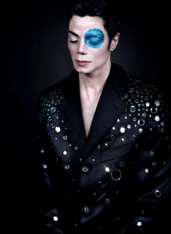 Una de las fotografías del desaparecido Michael Jackson que se subastó en París
