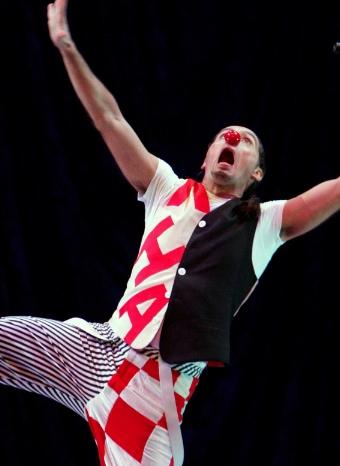 Espectáculo circense a través de la danza de la compañía Ananda Dansa