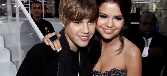 Justin Bieber y Selena Gomez, el beso que confirma el romance de la pareja