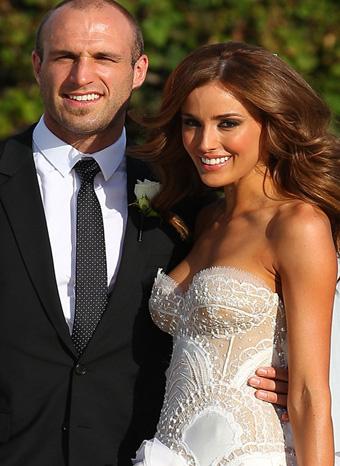 Chris Judd y Rebecca Twigley radiantes en su boda