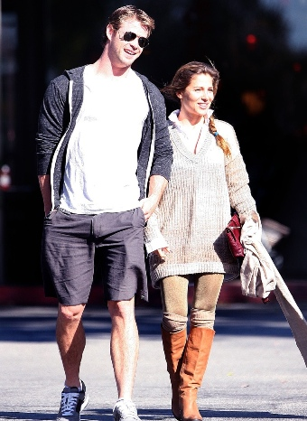 Elsa Pataky y Chris Hemsworth paseando por Los Ángeles