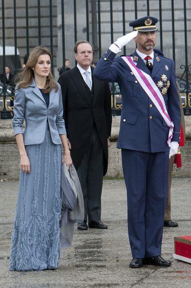 La Princesa Letizia, muy seria, apostó por un diseño de Felipe Varela en la Pascua Militar