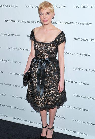 Michelle Williams entona en los Premios de la Junta Nacional de Críticos de NY