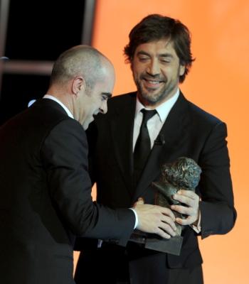 Javier Bardem entrega Goya a Tosar en 2010