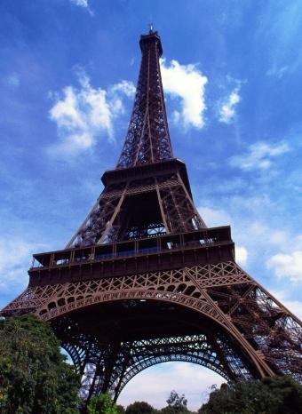 La Torre Eiffel es el emblema de París
