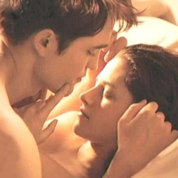 escena de cama de Robert Pattinson y Kristen Stewart