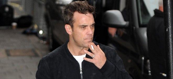 Ley Antitabaco: el reto de los famosos fumadores Robbie Williams