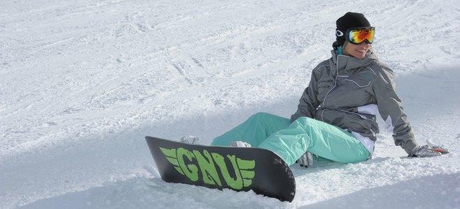 Primer posado juntos de Elsa Pataky y Chris Hemsworth en la nieve tras su boda