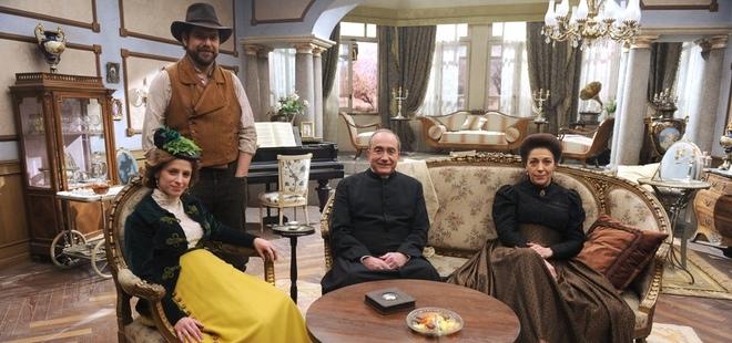Antena 3 presenta 39 el secreto de puente viejo 39 nueva serie para la tarde - Exteriores puente viejo ...