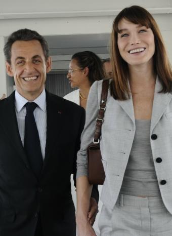 Carla Bruni y Nicolás Sarkozy en un viaje oficial