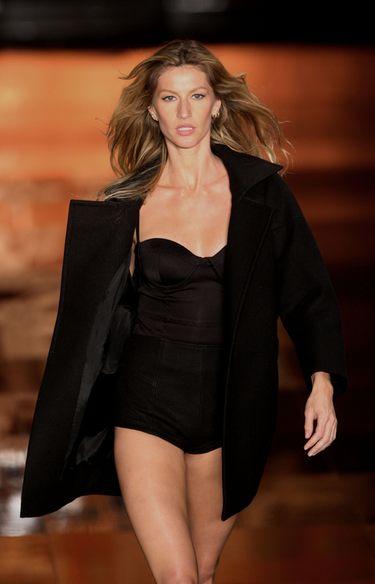 Gisele Bundchen y Ashton Kutcher, modelos de lujo en la Semana de la Moda de Sao Paulo