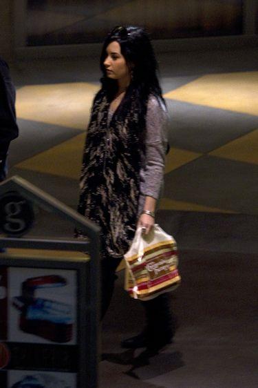 Demi Lovato visita una clínica especializada en trastornos alimenticios
