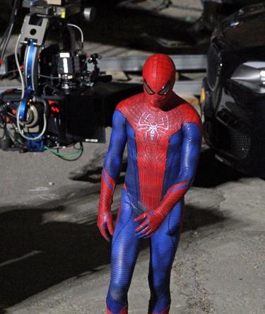 Andrew Garfield se enfunda el traje de Spiderman