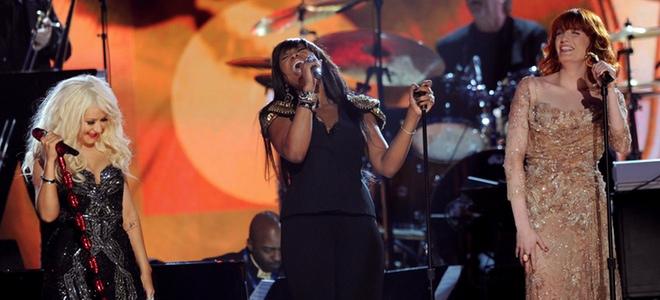 El homenaje de Christina Aguilera a Aretha Franklin en los Grammy 2011