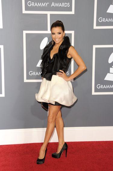Eva Longoria en la alfombra roja de los Grammy 2011
