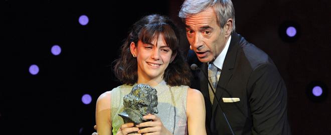 Marina emocionada recoge su Goya