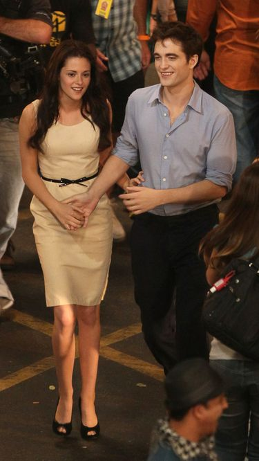 Robert Pattinson y Kristen Stewart podrían planear su boda para verano